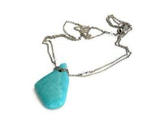 Bold and fashion turquoise necklace