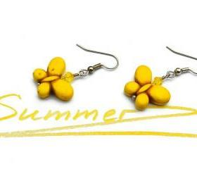 Yellow butterfly gemstone summer earrings. Fashion trend jewelry
